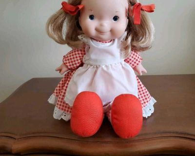 Vintage FISHER PRICE Lapsitter MARY Doll - circa 1973 - MINT