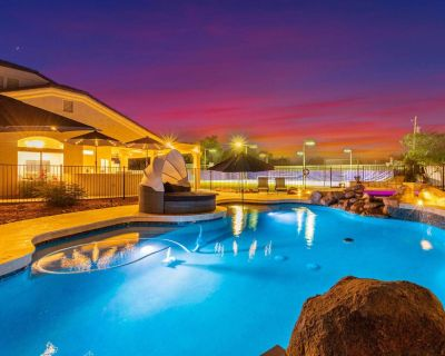 NEW LISTING SWEETWATER ESTATE - SPORTCOURT, VBALL, POOL, SPA & MORE - Paradise Valley Ranchos