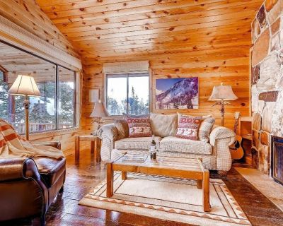 New Rental! Romantic Alta Cabin just a Short Walk to Skiing with Fireplace - Salt Lake Mountain Resorts