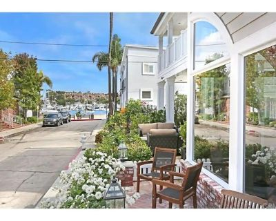 Beautiful Balboa Island Home - Steps To The Water! - Balboa Island
