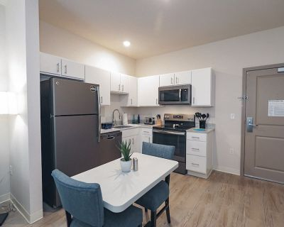 1 BDR Furnished Apartment Style Suite - WaterWalk Overland Park Kansas City - Overland Park