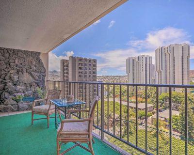 New! Bright Honolulu Escape: 2 Blocks to the Sand! - Waikiki