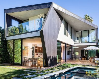 Modern Eclectic Villa in L.A. {Well-known architect} Salt water Pool / Jacuzzi - West Hollywood West