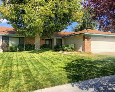 Great Central Location, just a few miles from Balloon Fiesta Park - Northeast Heights