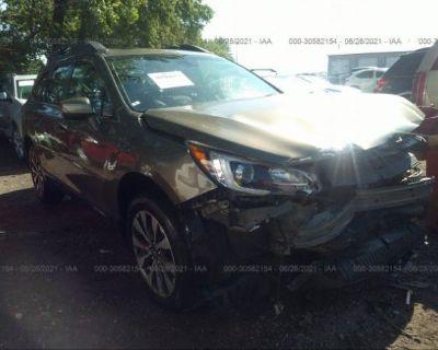 Salvage Gray 2017 Subaru Outback