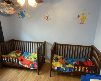 2 (two) crib / toddler convertible bed