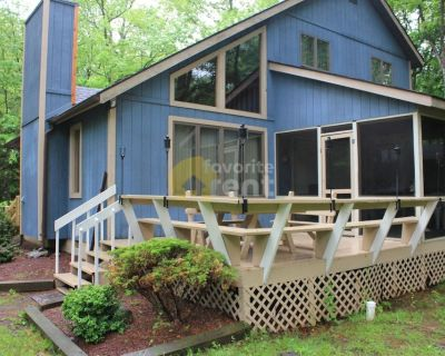 Contemporary mountain 3 bedroom house, Albrightsville