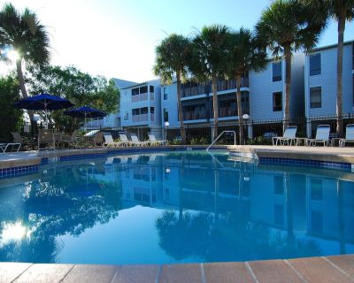 The Beautiful Cove - Luxury 2 bed 2 bath apartment close to beach and amenities - Holmes Beach
