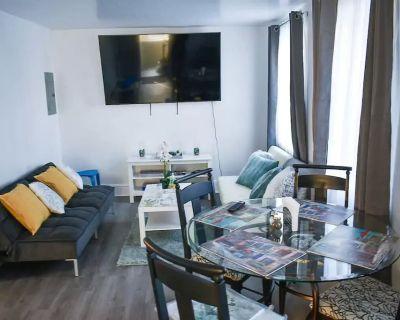 Beautiful Duplex Apt - 4 Br - 75in TV - 1,000 Sq Ft - Philadelphia suburb - Upper Darby
