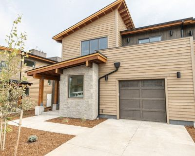 Modern Condo in the Heart of Town Center - Big Sky