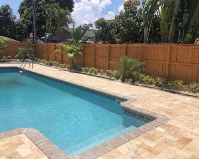 Stunning Coastal Cove Entire House 4 Bedrooms 3 Bathroom W/ Pool & Grill - Boca Raton