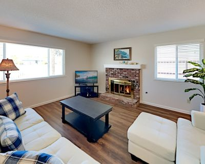 Relaxing Retreat | Big Patio with Firepit & Grill | Walk to Parks - Grover Beach
