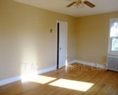 8210 Greenwood Ave #5, Takoma Park, MD 20912 1 Bedroom Condo