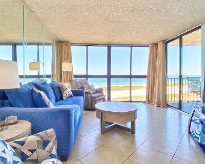 Overlooks Pristine Gulf Beaches in Ideally Located Community in Sand Key! - Sand Key