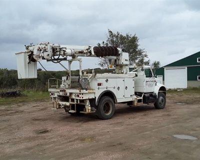 1996 International 4800 AWD Digger Derrick Boom Truck