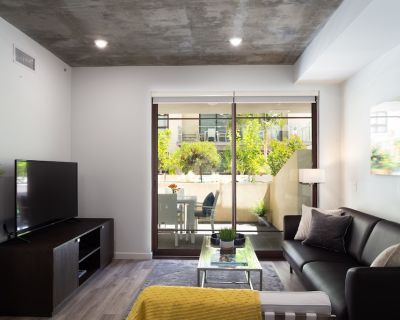 Luxury Modern 2BDR Apartment in Downtown Glendale - Downtown Glendale