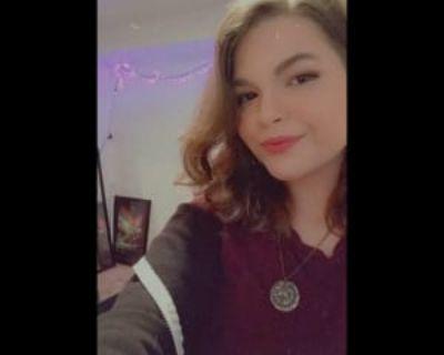 Melissa, 23 years, Female - Looking in: Denver CO