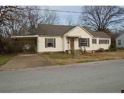 4 Bed 2 Bath Foreclosure Property in Batesville, AR 72501 - W Chestnut St