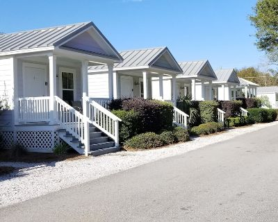 Beachview Vacation Cottages - Book now for your perfect getaway! - Gulfport
