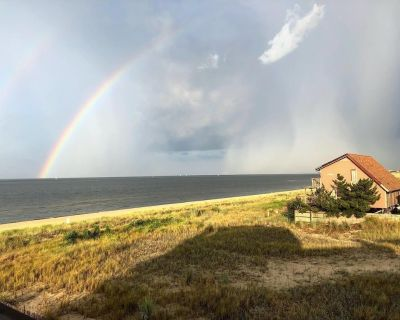 Beach property with ocean views - Cottage Line