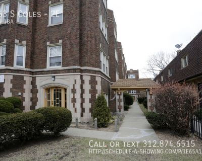 Cute 1BR in South Shore!  Heat Included!