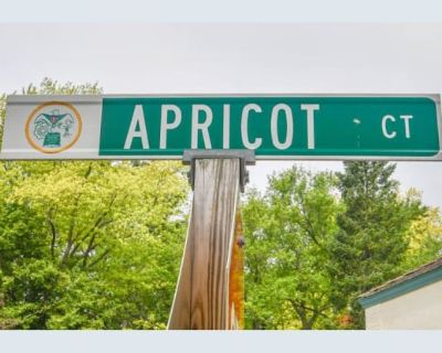 5594 Apricot Court