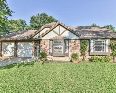 6318 Leaf Arbor Drive, Houston, TX 77092