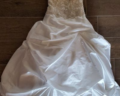 Wedding Dress with Peticoat and Hanging Bag, Size 2