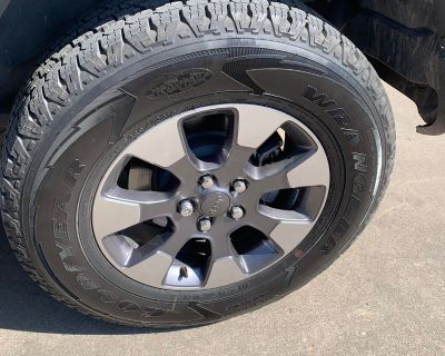Texas - For sale: 2018 JL Sahara stock tires and wheels