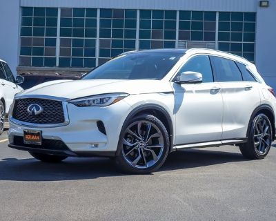 Certified Pre-Owned 2019 INFINITI QX50 ESSENTIAL With Navigation & AWD