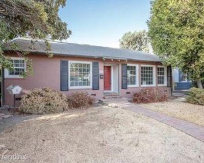 2216 Bradford St, Bakersfield, CA 93304 2 Bedroom House