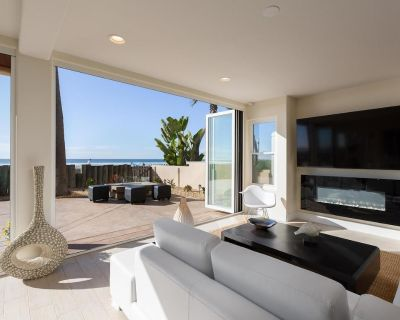 Luxury, Ocean Front, NEW Patio Furniture/BBQ, 2nd Story Deck, Garage, AC, MORE! - Mission Beach