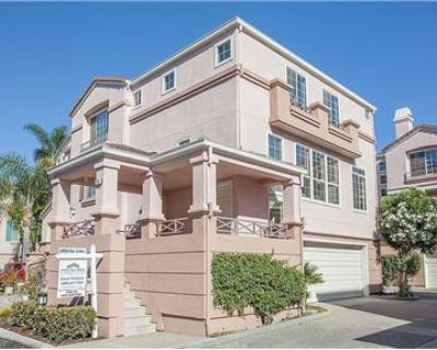 3 bed townhome for rent close to parks