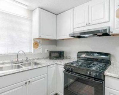 Room for Rent - a 5 minute walk to bus 196, Atlanta, GA 30349 2 Bedroom House