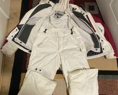 Woman s Columbia small snow suit