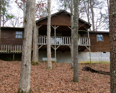 Best Value! Fishing Lake-2King Jacuzzi Suites-Hot Tub-WiFi-Pets OK-Games - Pigeon Forge