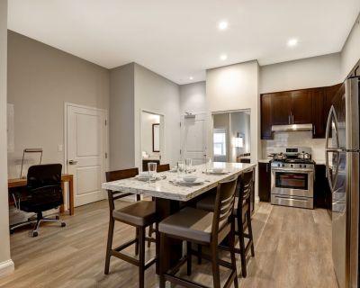 Private 1 Bedroom, 1 Bathroom Luxury Apartment In-Suite Landry & Appliances - Kanata