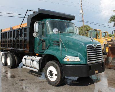 $4,990 Down / Tandem Axle Dump Truck / 880k Miles