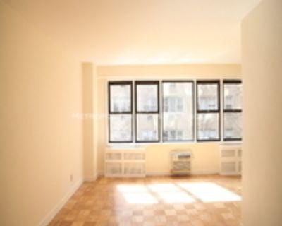 Murray Hill - Doorman/Elevator Alcove Studio With Gym, Laundry   NOFEE