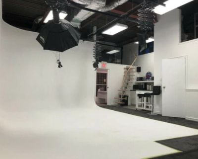 Photo Video Studio with Ground Level Bay Door, Whitby