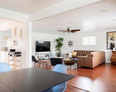 Spacious Updated 4 Bedroom Home Backyard Oasis - Lamar Heights Area