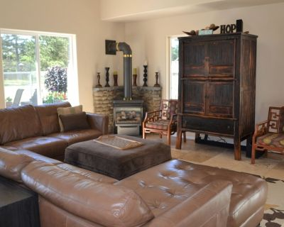 South Seaside -Tastefully decorated 3 bedroom 2 1/2 bath home, on golf course. - Seaside