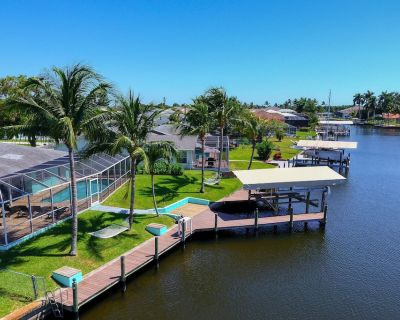 Stunning Key West Style Villa just new on the market in perfect boating location - Yacht Club