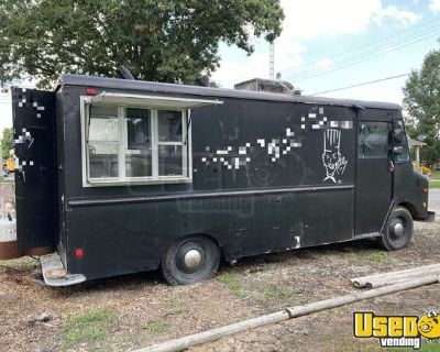 Chevrolet P30 21' Mechanically Sound Food Truck / Used Mobile Kitchen