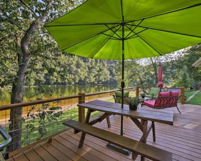 Cozy Waterfront Cottage w/Deck on the White River! - Cotter