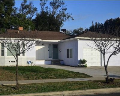 NEW!Closest vacation rental to SDSU!! Newly remodeled 5 bed, 3 baths - College West