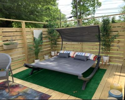 Gilded Nest - 2 mi to Downtown Hendersonville and Flat Rock, Private Deck, WIFI - Hendersonville