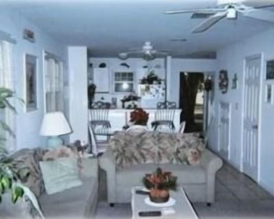 Truman Annex - Beautiful Townhome - President's Lane - Old Town Key West