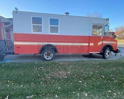 Chevrolet 20' Step Van Wood-Fired Pizza Truck for Completion