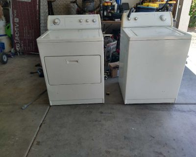 Whirlpool washer and dryer matching set